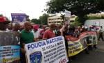 militares policias 150x92 Guardias y policías pensionados marchan pal Palacio Nacional