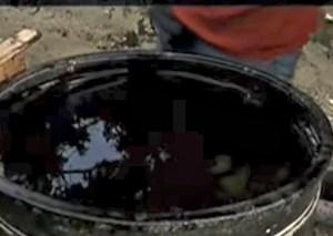 pila 300x213 Dominicanos descubren supuesto pozo de petróleo debajo de vivienda