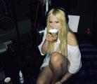 Avril Lavigne 300x260 Moca   La celebridad más peligrosa de internet