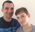 padre hijo 150x138 Creó una App pa que su carajito se comunique obligao con él