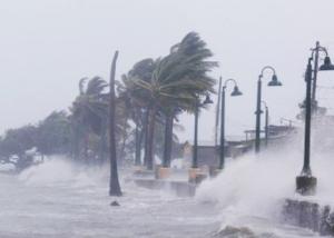 san mar 1 300x214 IMÁGENES   Los efectos devastadores del huracán Irma en San Martín
