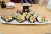 晚餐在 Sushi Cafe,觉得偏贵,不过 sushi 算是有点特色吧.不过今天经历了 2h+ 的 blackout,算是体验了一下没电的 Yellowknife 是怎样的感觉