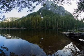Baring Mountain 和 Barclay Lake