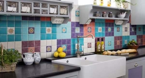 Фартук для кухни из плитки: выбор, варианты раскладки и ...