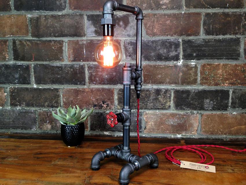 مزیت اصلی لامپ خود ساخته منحصر به فرد است.