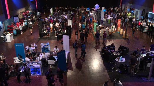El salón principal de los expositores y patrocinadores