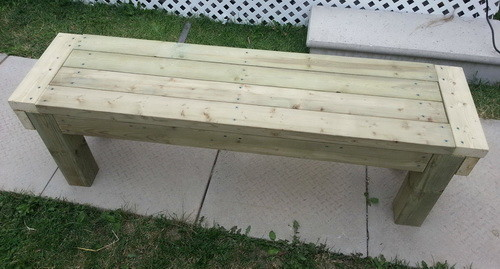 How To Build A Patio Deck Bench_01