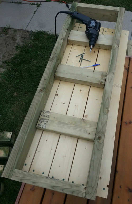 How To Build A Patio Deck Bench_05