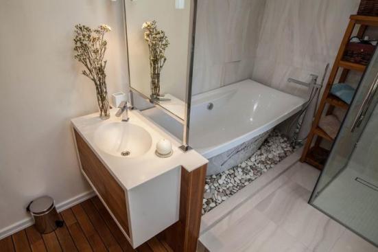 bathroom furniture 3