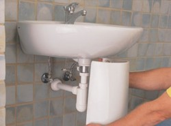 installation of the washbasin on a pedestal 3