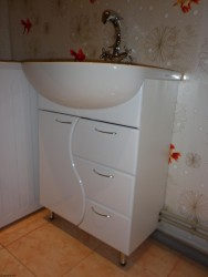 installation of a washbasin on a vanity unit 2