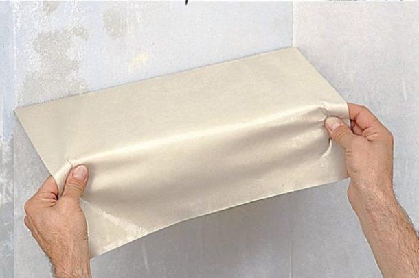 如何从墙壁上删除旧壁纸