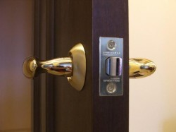 choose a lock for an interior door