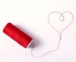 運命の赤い糸をたぐり寄せ運命の恋をつかむ10の方法