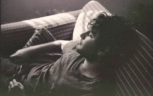 男 憂鬱 昼寝 睡眠