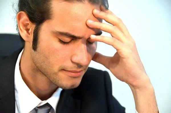 職場で好き避けする男性の7の心理分析