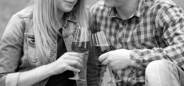カップル ワイン お酒