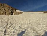 Steiles Firnfeld, steiler als es auf dem Bild aussieht... (bis zum Strubeljoch meist >30°)