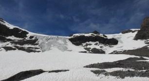 Geteilter Wildstrubelgletscher, unser Abstieg erfolgte auf der im Bild rechtsliegenden Seite