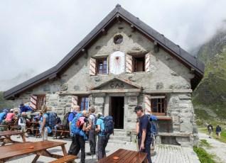 Die Cabane du Mont Fort CAS - ein schönes Steinhaus