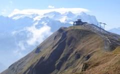 """Planplatten (hinter dem """"Alpentower"""" das Wetterhorn)"""