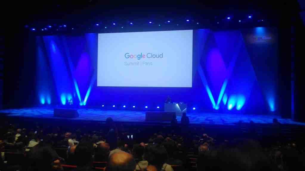 Paris 2017 Google Cloud Summit blue screen