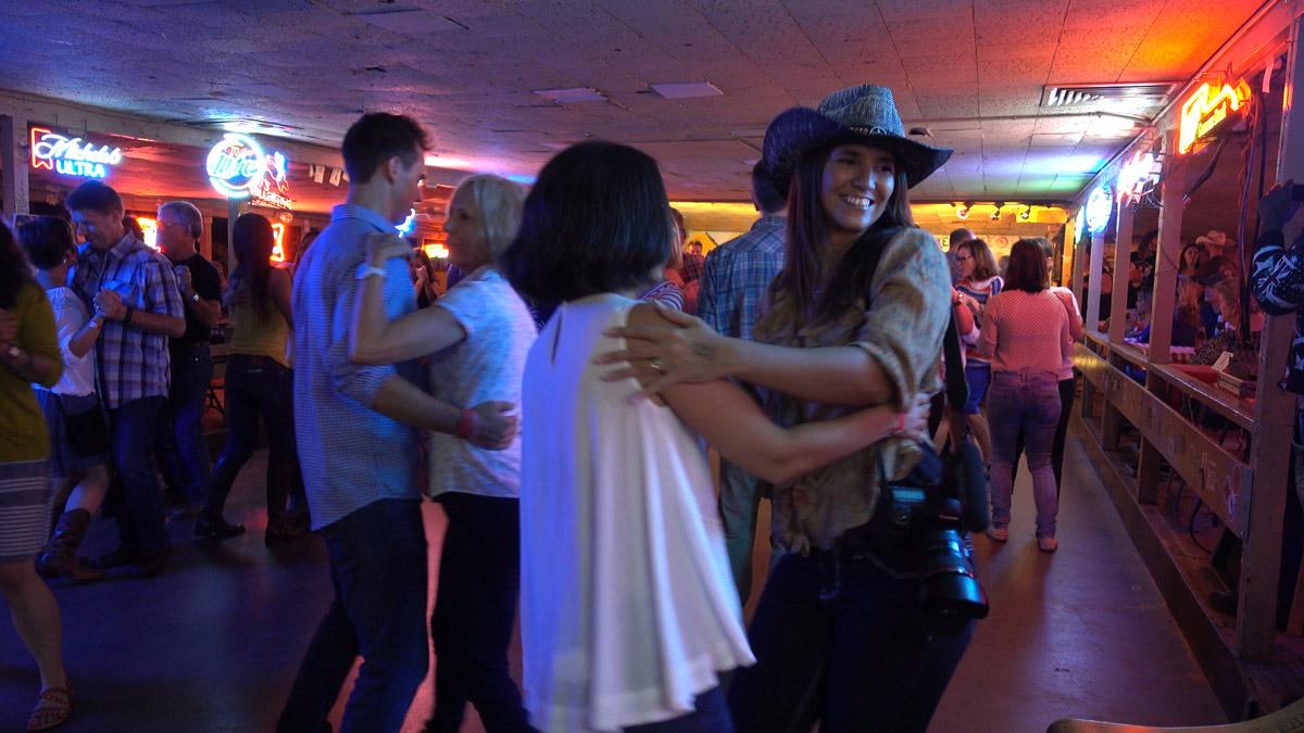 Uma aula de dança country em Austin, no Texas