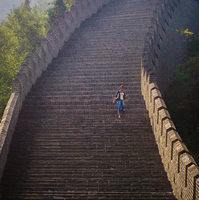 Travel Vlogger Renata Pereira at the Great Wall of China