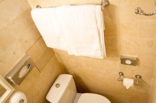 Clean towels - Hotel Saint Louis Bastille