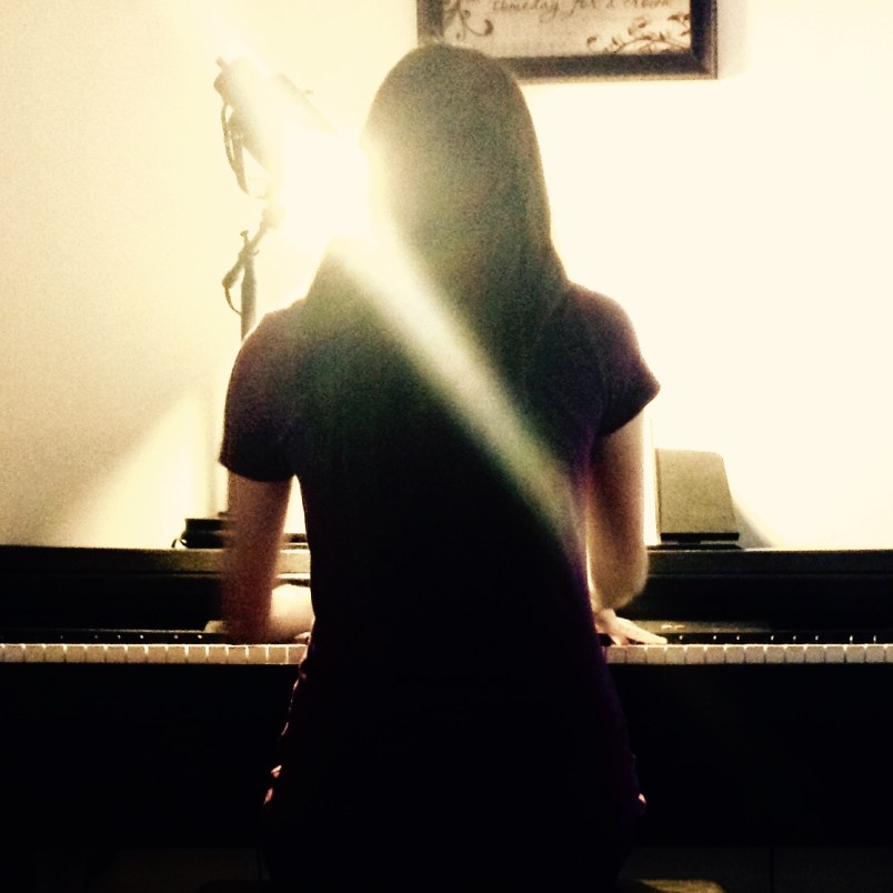 Natalia Piano Light