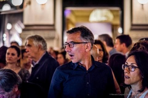 An evening of Tango in the Milano, Galleria Vittorio Emanuele II, June 2018. Nikon D810, 120 mm (24-120 mm ƒ/4) 1/125 mm ƒ/4 ISO 5000