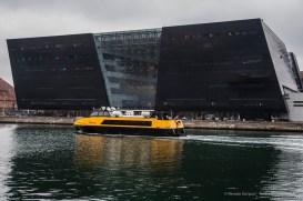 Black Diamond, Kongelige Bibliotek, Copenaghen 2015 - Nikon D810, 16mm (16-85mm ƒ3.5-5.6) 1/100 ƒ/5.6 ISO 400