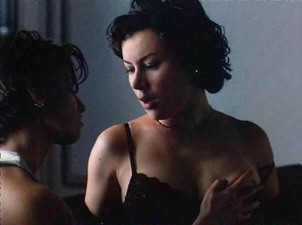 """2 - Jennifer Tilly (""""Ligadas pelo Desejo"""")"""