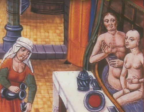 Couple mangeant aux bains
