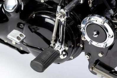 1949-Vincent-998cc-Black-Shadow-Series-C-foot-controls