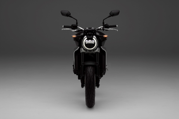 Honda-CB1000R-Black-Front-With-Lights-On