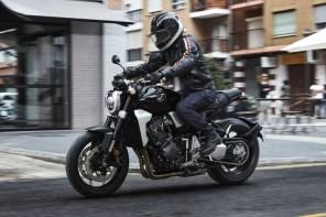 Honda CB1000R Street Shot