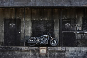 Indian Scout Bobber Custom Gold Black Jack Daniel's [Distance Shot]