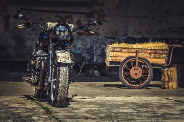 Moto Guzzi V9 Bobber Custom, 'Vecchio Conio' by Rustom [front distant]