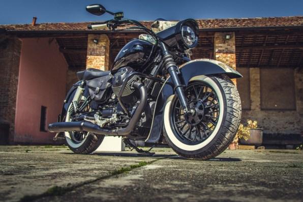 Moto Guzzi V9 Bobber Custom, 'Vecchio Conio' by Rustom [front-end-right]