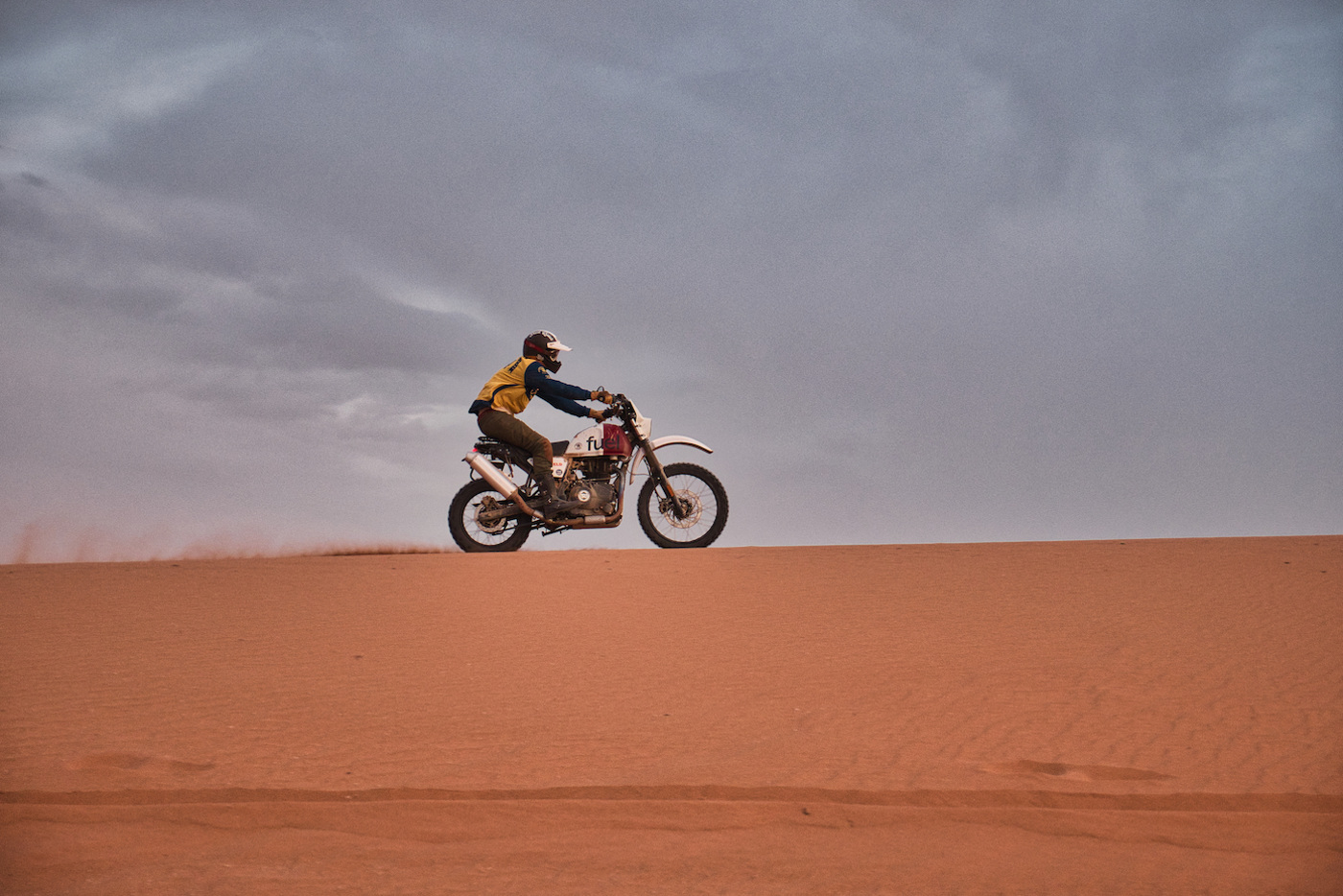 ROYAL ENFIELD HIMALAYAN 'RALLY 400' SCRAM AFRICA - Distant Dune Plateau