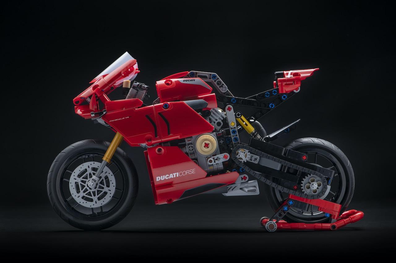 Lego Ducati Panigale Model