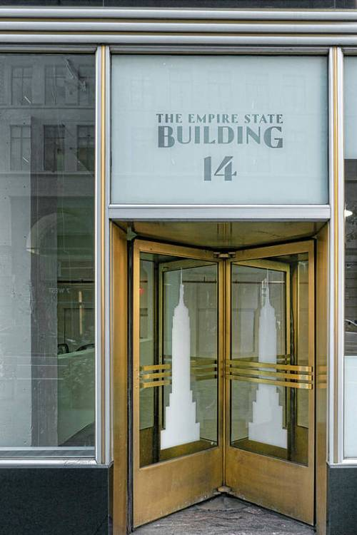 Revolving door in the Empire State Building.