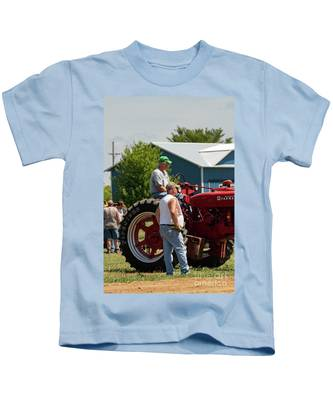 You might need tires that are designed for narrow row crop work or large diameter tires that are great for clearing high crop. Tractor Pulling Kids T Shirts Fine Art America