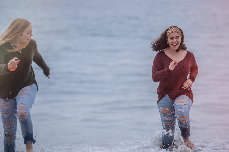 senior portraits at the beach