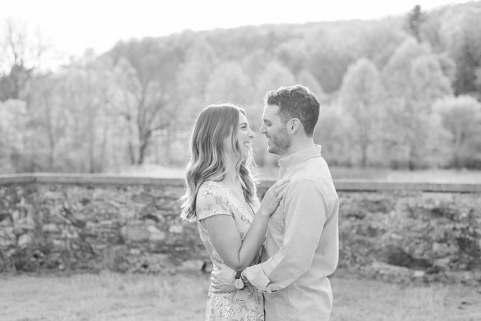 Bucks County wedding photographer Renee Nicolo Photography photographs Valley Forge engagement session