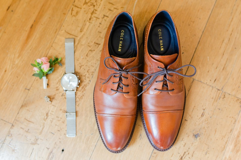 groom's details photographed by Renee Nicolo Photography