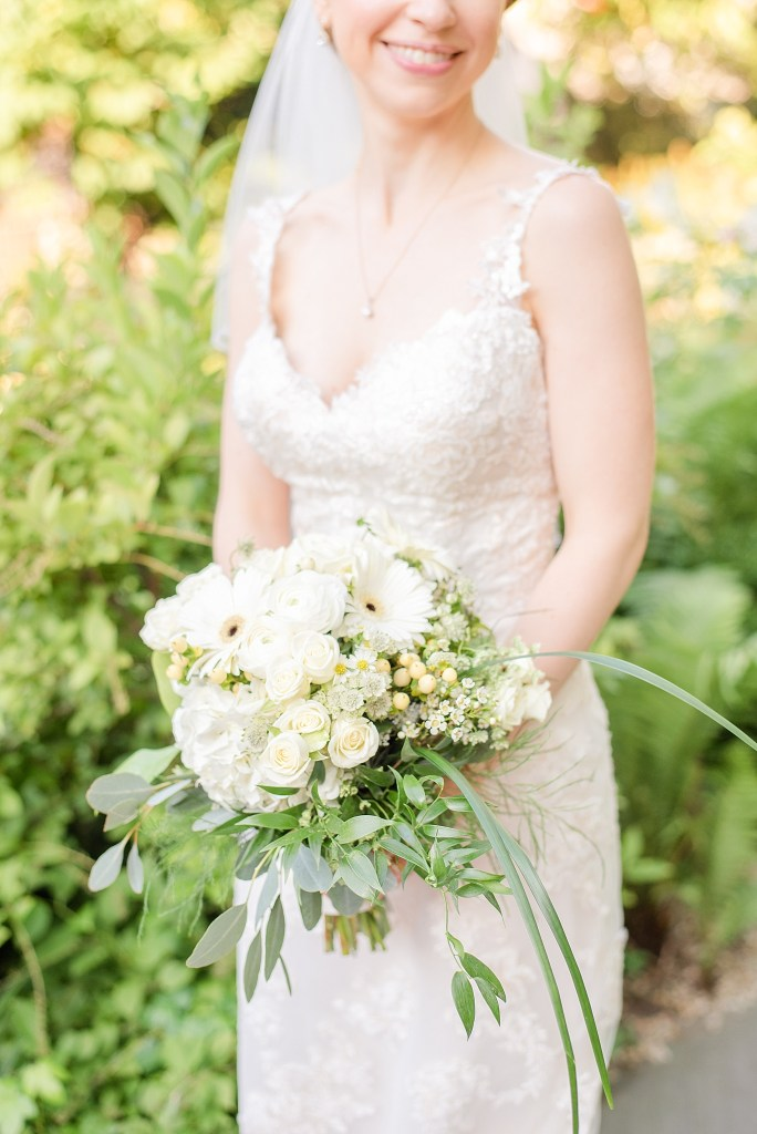 summer bridal portraits by Renee Nicolo Photography