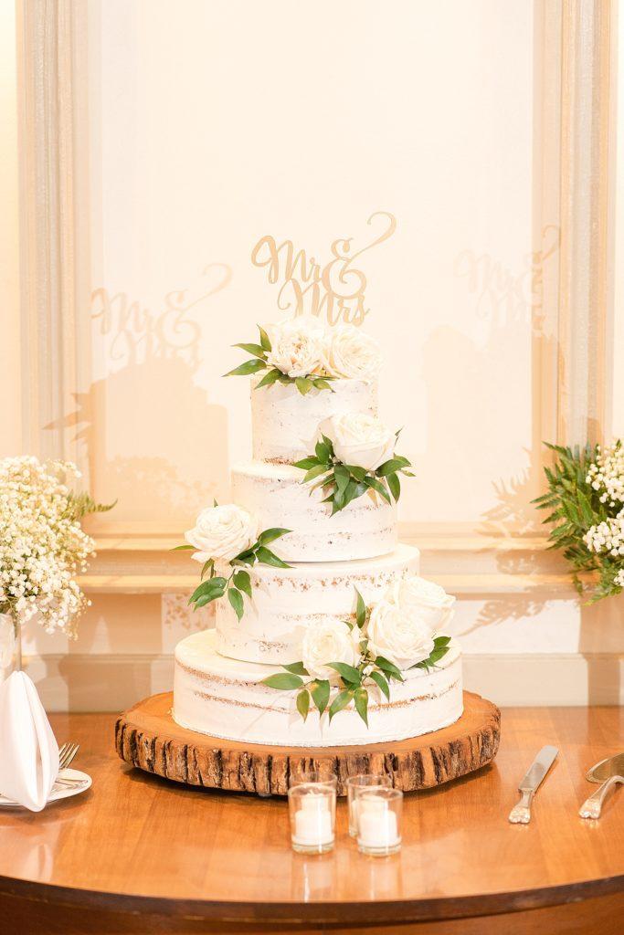 HollyHedge Estate wedding cake photographed by Renee Nicolo Photography