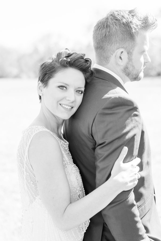 fall wedding day at Historic Stonebrook Farm photographed by Renee Nicolo Photography